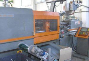 macchinari-stampaggio-materie-plastiche-135 tonn