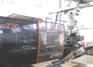 macchinari-stampaggio-materie-plastiche-220 tonnellate